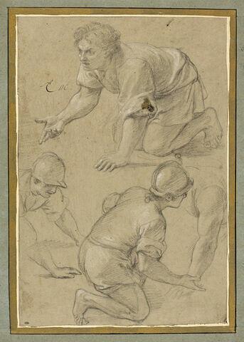 Trois hommes à genoux