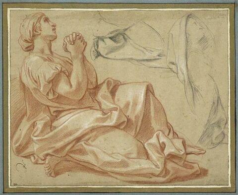 Femme drapée, assise, un genou replié