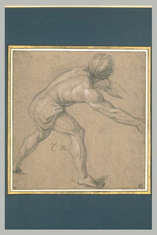 Homme demi-nu, les bras tendus, penché vers la droite
