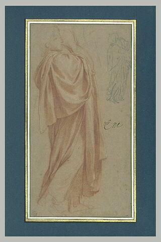 Figure drapée, debout, de profil