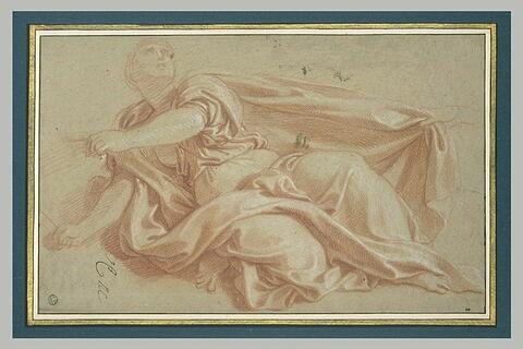 Femme drapée, un genou à terre