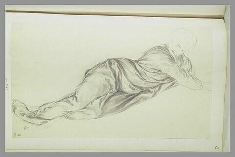 Etude de femme entièrement drapée, étendue sur le côté gauche