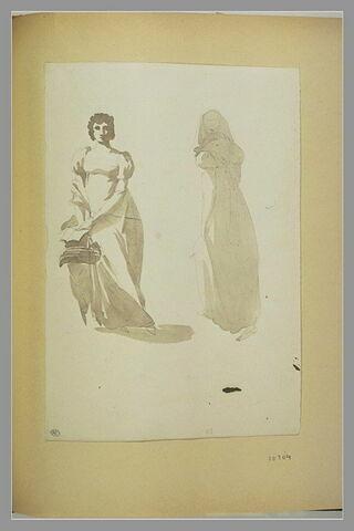 Une femme en robe, de face ; une femme, de dos