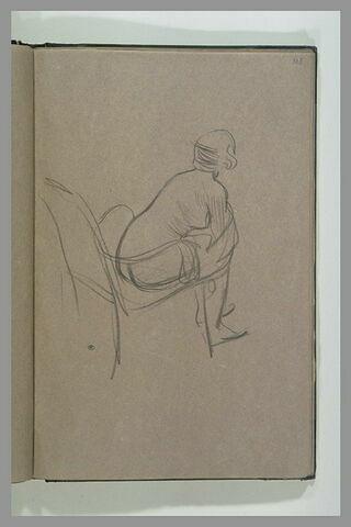 Femme en chemise et pantalon