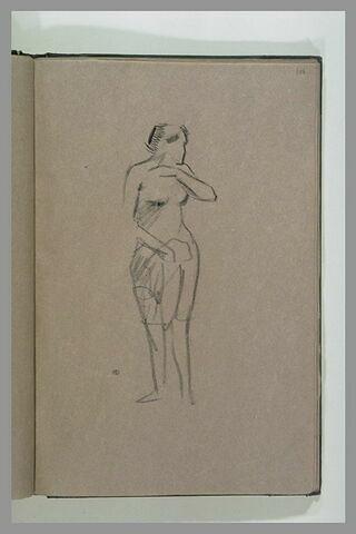 Femme en jupe et chemise