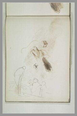 Homme sur une estrade devant trois figures ; croquis de femmes