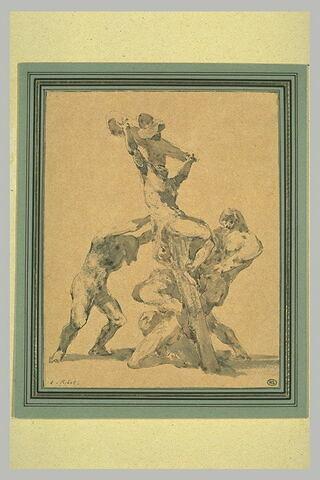 Trois hommes redressant la croix sur laquelle le Christ est crucifié