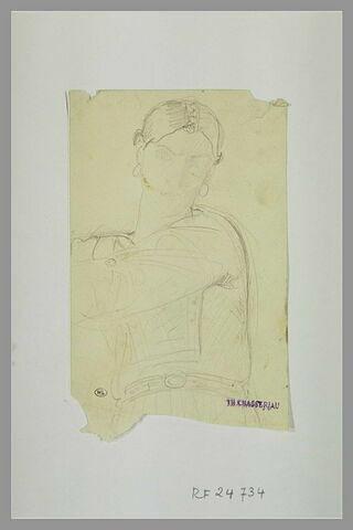 Femme vue en buste, les bras vers la gauche