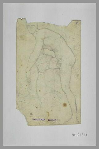 Hermès rattachant sa sandale