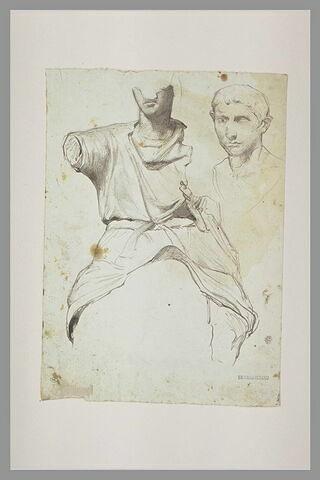 Une statue d'homme ; tête