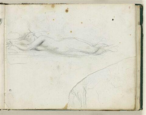 Femme nue étendue sur le ventre