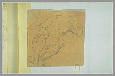 Figure nue assise portant la main gauche à sa nuque