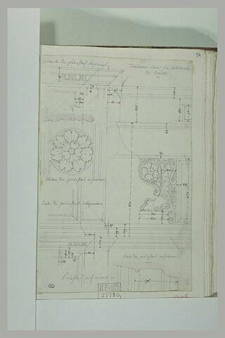 Etudes de moulures et de rosace, d'un tombeau dans la cathédrale de Spolète