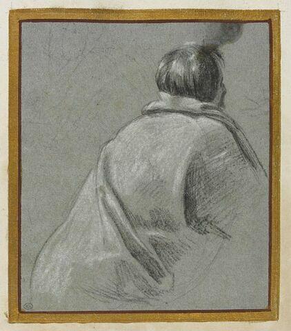 Homme vu de dos, un manteau sur les épaules