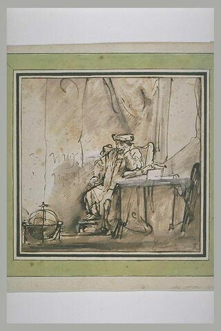 Homme méditant, assis dans son cabinet de travail.