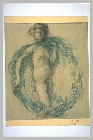 Femme nue, debout, de face, dans une couronne de feuillage vert