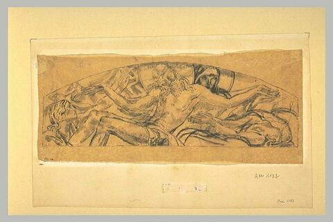 Deux figures encadrant le groupe de la Vierge soutenant le Christ mort