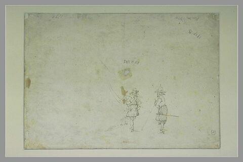 Deux soldats, dont un porte-drapeau, conversant