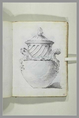 Projet de vase couvert