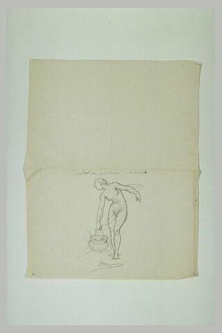 Femme nue tenant un seau de la main droite