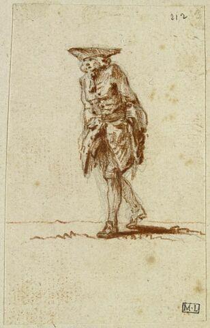 Vieillard coiffé d'un tricorne, marchant