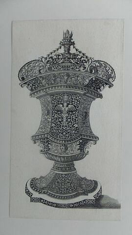Vase avec une flamme
