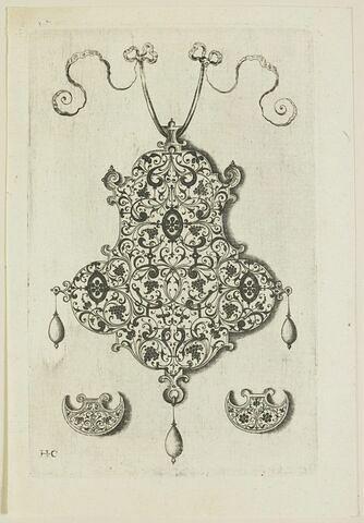 Pendants de bijouterie avec arabesques en rinceaux
