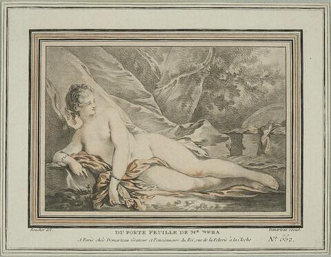 Femme nue couchée dans un paysage