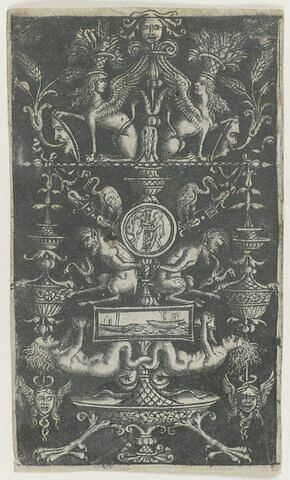 Arabesques avec deux satyres enchaînés et deux chimères