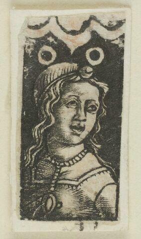 Jeune fille au collier avec médaillon