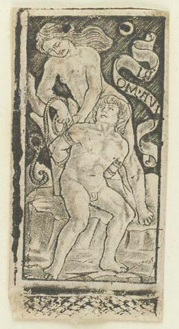Femme attachant un homme à un arbre