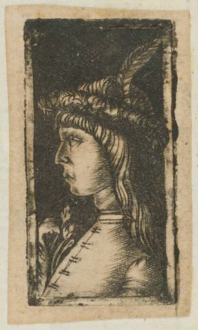 Jeune homme coiffé d'un chapeau à plumes