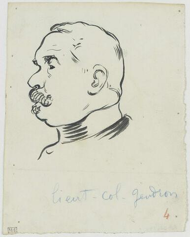 Tête d'homme moustachu, de profil à gauche, avec col officier