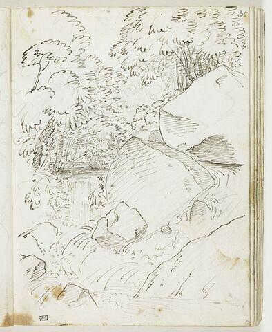 Paysage avec une cascade sous des arbres et chaos de roches au premier plan