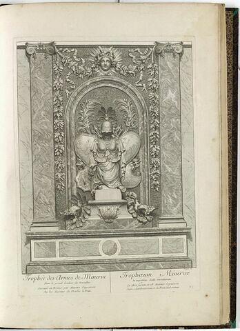 Trophée des Armes de Minerve, dans le grand Escalier de Versailles