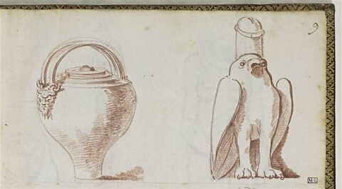 Vase à anses et faucon